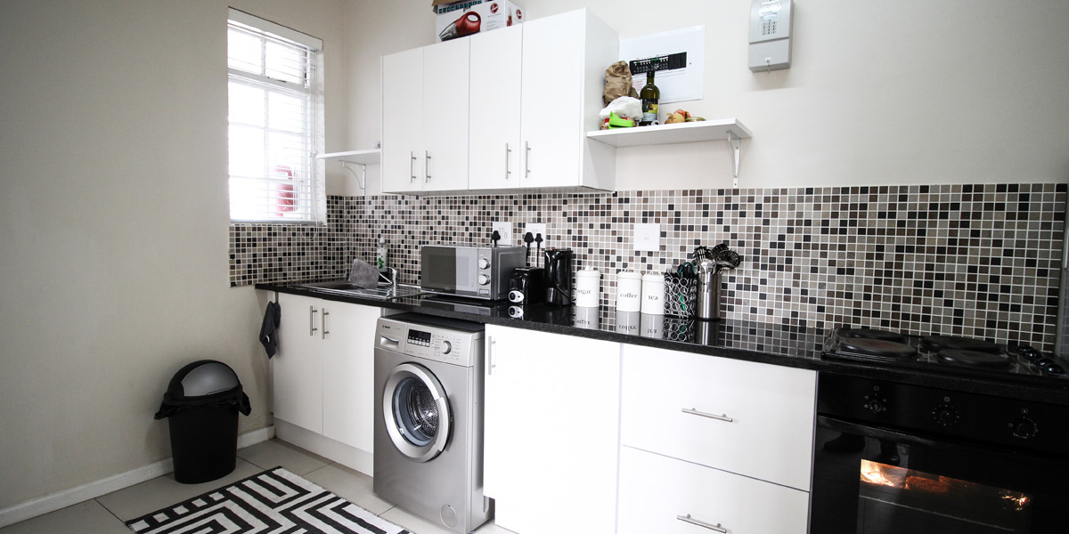 Student apartments cape town uct accommodation nursery for Kitchen basins cape town